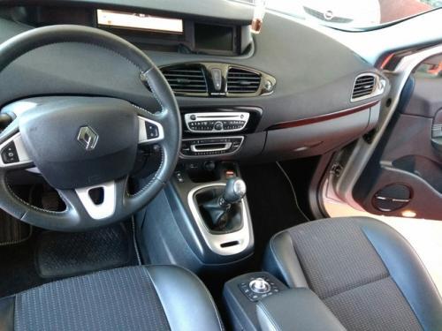 Renault-Gran-sceni-modelo-bose-130cv-273344499 8